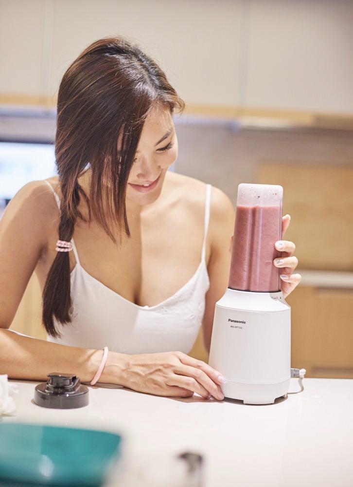 『整日健康美顏食譜分享』- 隨行杯果汁機推薦 Panasonic今年夏天就是你了!